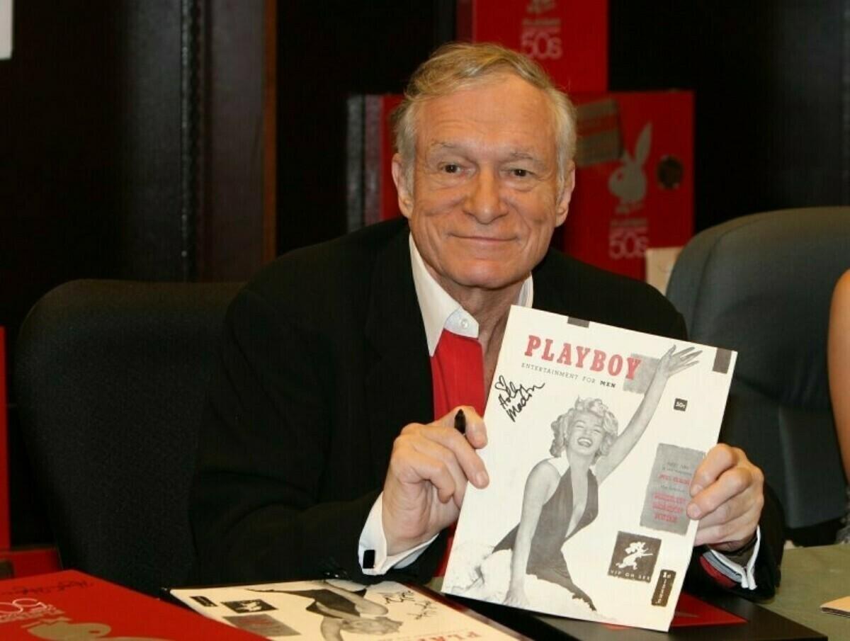 Хью Хэфнер, основатель журнала с первым выпуском Playboy, который вышел тиражом 51 тысяч экземпляров